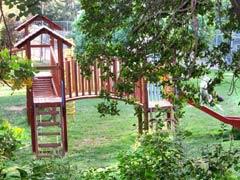 Ein Dorf in Israel lebt streng Vegan!! Central_lawn_playground